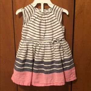 Carter's girl's dress. Size 9 months